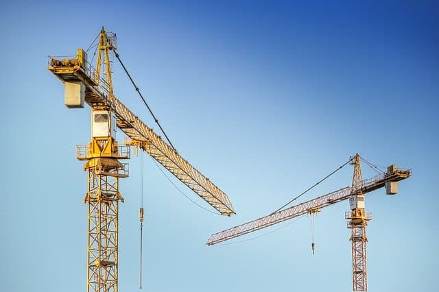 Reasons to hire crane rental services